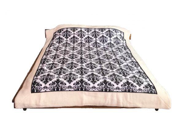 Victoria Borego Blanket 3 Ply 1
