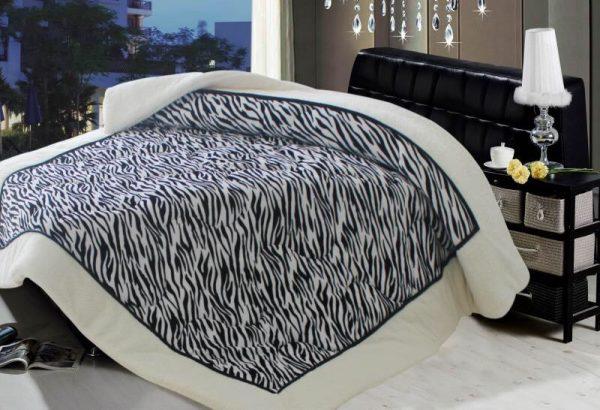 Zebra Borego Blanket 3 Ply 1